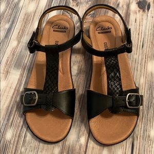 Clarks Collection Sandals Black Soft Cushion
